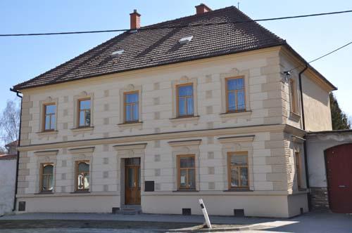 Oprava fasády fara Vladislav